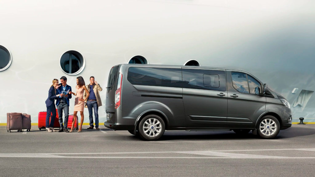 9místný minibus Ford Tourneo Custom