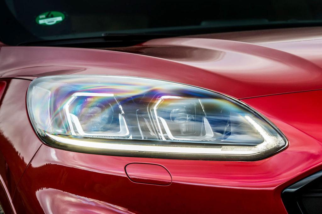 Nová Kuga 2020 hybrid detail světlometu