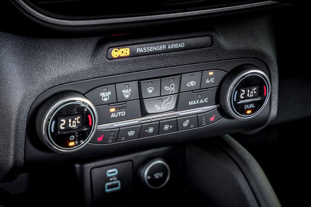 Nová Kuga panel klimatizace