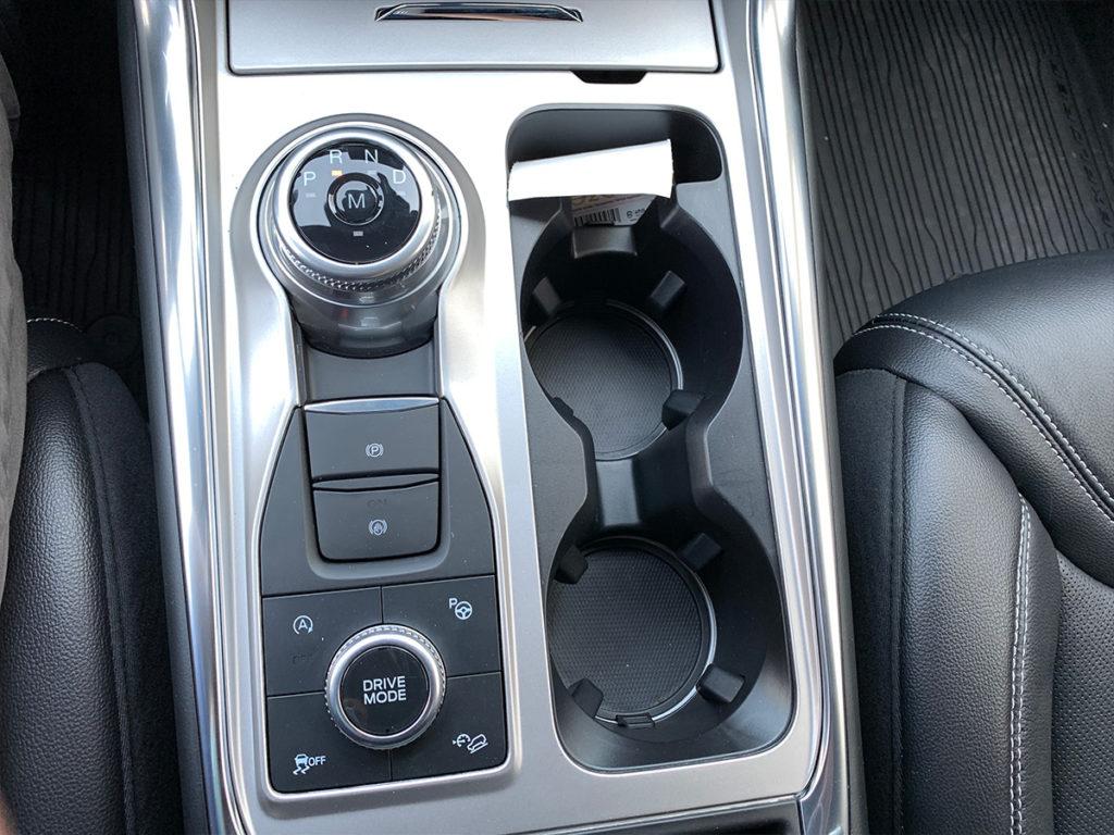 F67 Ford Explorer středový panel