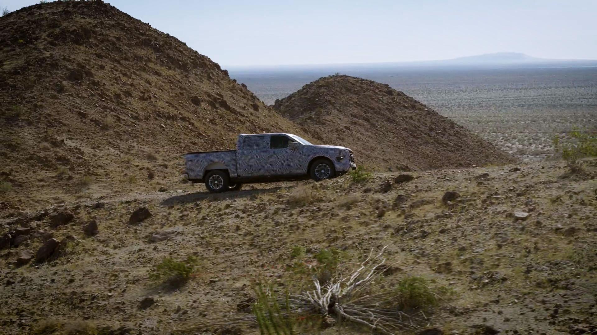 F-150 hybrid v kalifornské poušti